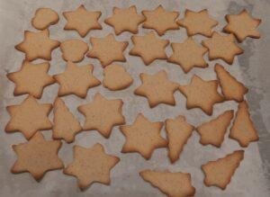 Biscuits de Noel au miel et 4 epices 9