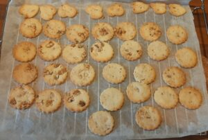 Biscuits de Noel aux noix 13