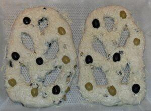 Fougasse aux olives noires et vertes 15