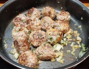 Boulettes de viande à la sauce tomate et mozzarella