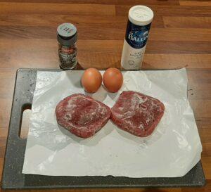 Haricots à l'italienne avec steak à cheval