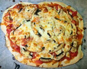 Pizza tomates cerises mozzarella champignons