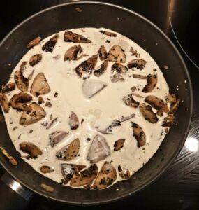Gnocchis sauce aux champignons gratinées à la mozzarella