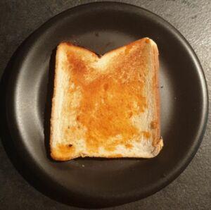 Avocado toast avec œuf mollet